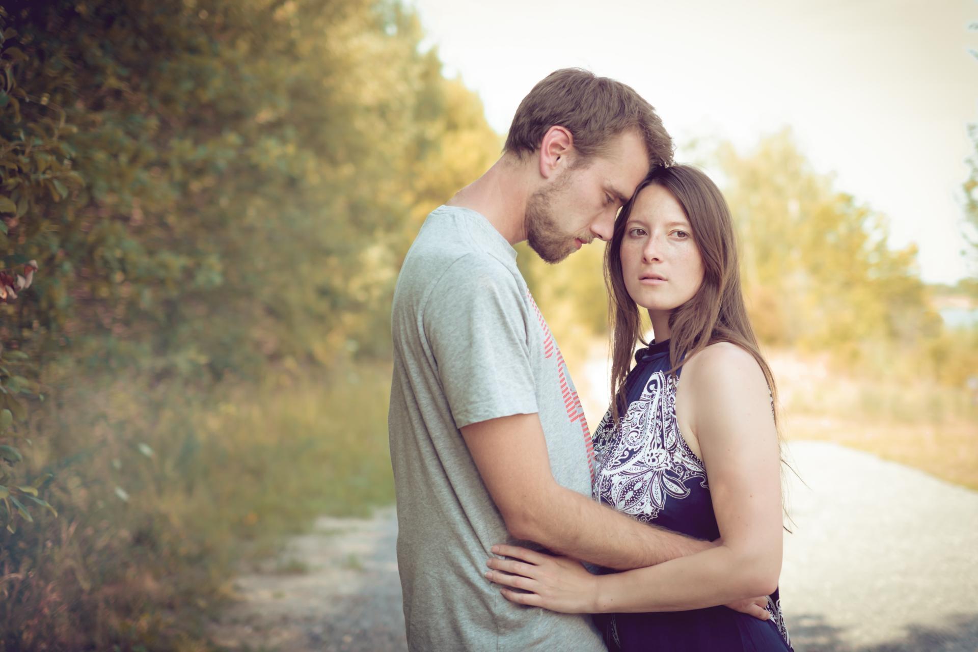 Paarfotos in der Natur, Verlobungsbild